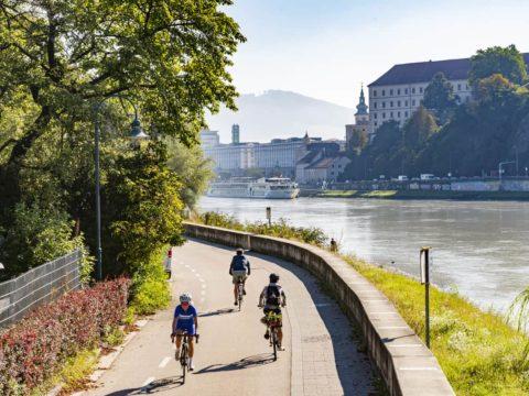 Die Radhauptroute Puchenau-Linz ist sehr beliebt.