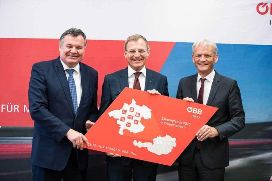 Investitionen für Bahninfrastruktur in OÖ: Landesrat Mag. Günther Steinkeller, LH-Mann Mag. Thomas Stelzer und DI Franz Bauer von der ÖBB.