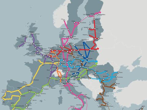 Ausbau des TEN-T-Netzes der EU visualisiert auf Europakarte.