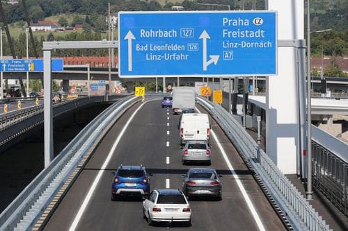 449 Mio. Euro extra für Straße und Schiene