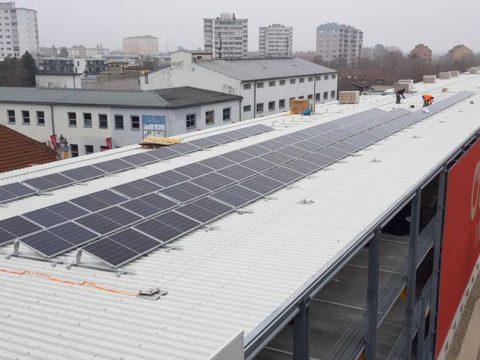 Grüner Strom am Bahnhof Wels